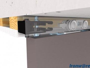 plafondhoog schuifdeursysteem ingewerkt in verlaagd plafond