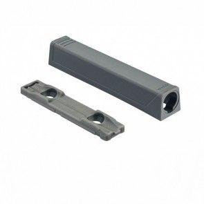 Blum Tip-On adapter type LANG -Zodat lange inboorvariant kan worden geschroefd - GRIJS - productafbeelding - 956A.1201