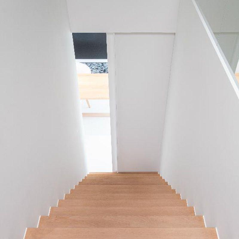 Deur bij trap schuifdeur onder trap