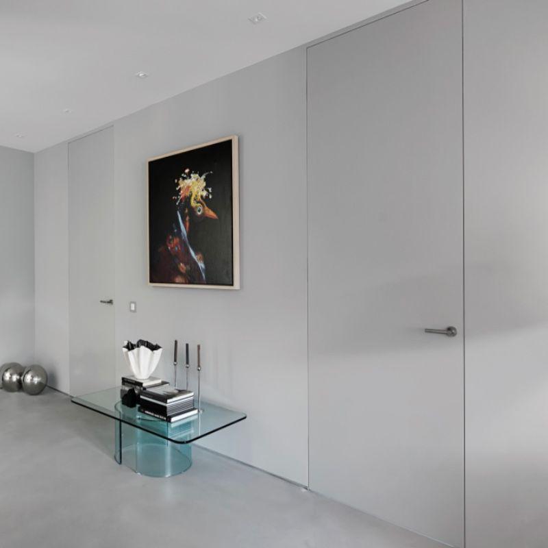 deur met schilderij