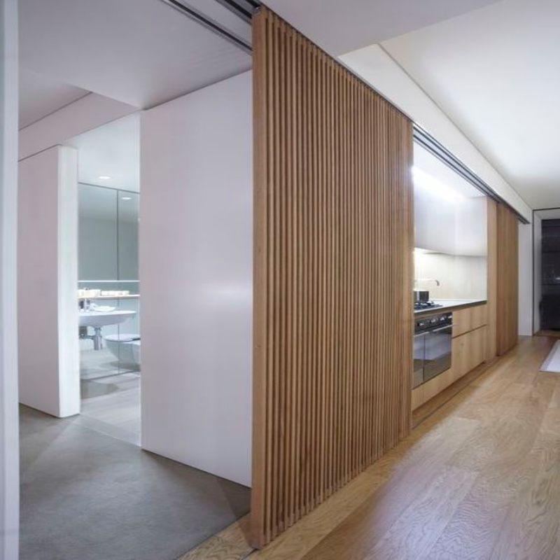 schuifdeur houten latjes in plafond