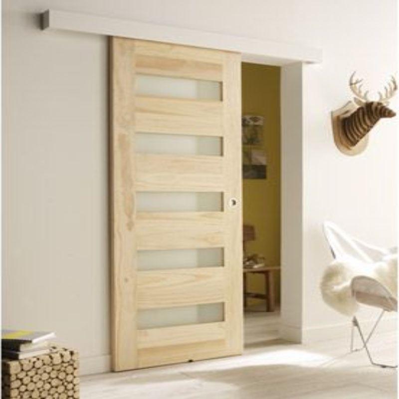 schuifdeur hout voor wand woonkamer