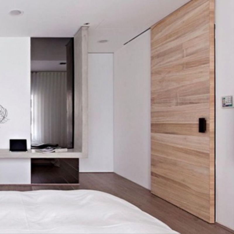 schuifdeur in plafond hout modern voor wand